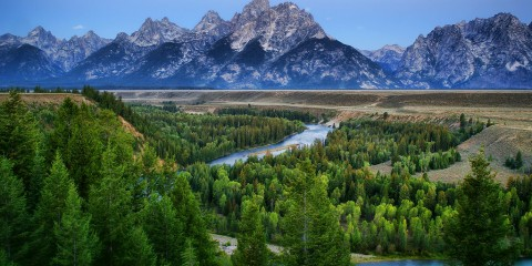 The mighty granite : Grand Tetons